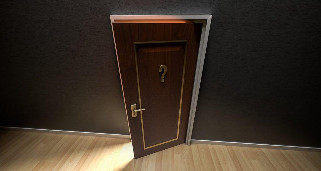 Porte réponse qui s'ouvre