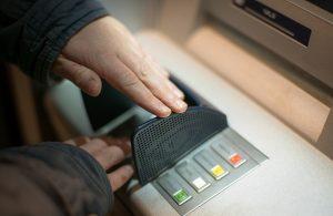 Cacher le code bancaire
