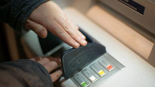 Comment éviter les fraudes à la carte bancaires ?